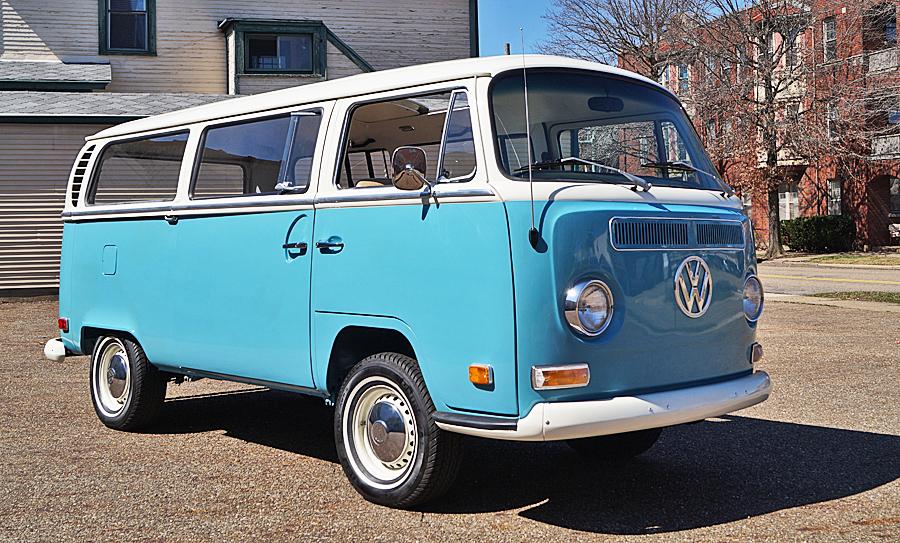 Volkswagen Deluxe passenger van